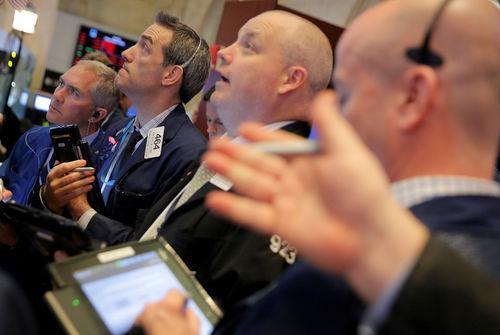 Wall Street, scrutant les rebondissements sur les taxes, ouvre en hausse — Bourse