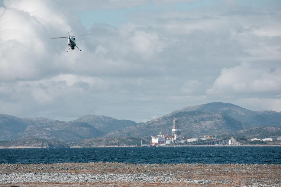 Un drone-hélicoptère livre pour la première fois une plate-forme offshore d'Equinor en Norvège 000894889_illustration_large