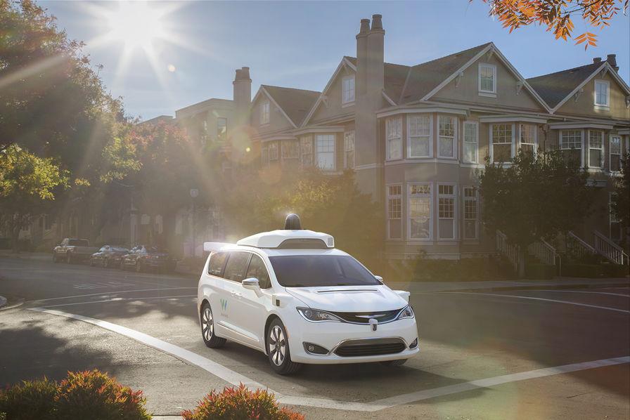Google collabore avec Chrysler pour la voiture autonome — Waymo